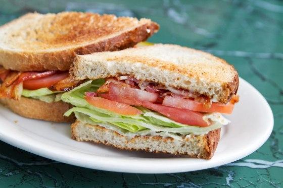 bacon-lettuce-tomato-sandwich